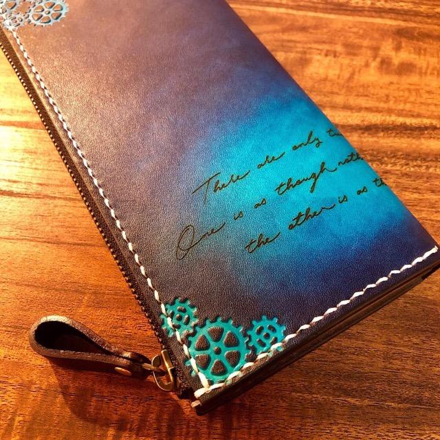 スチームパンクデザインの財布