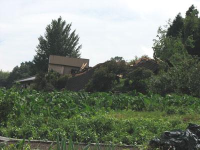 台風9号の傷跡:地滑りで全損した群馬県富岡市妙義町の工場
