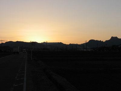 2008年12月31日の日の入りは2009年1月1日の日の出に引き継がれます