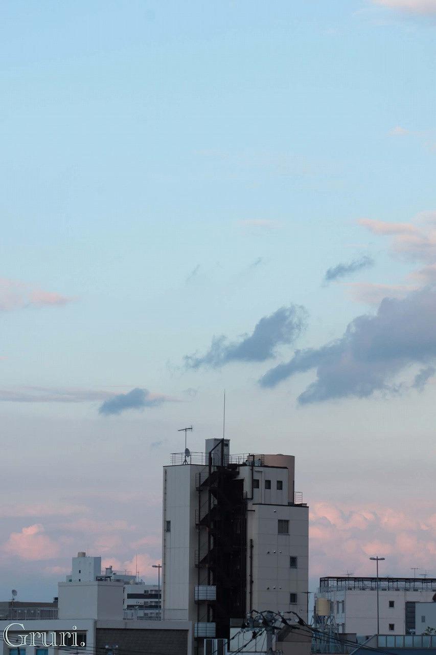 空へと続く階段 tagu.jpg