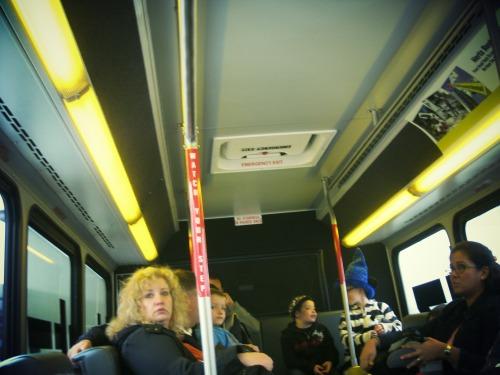 BUS2 車内