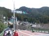 川井駅前通過
