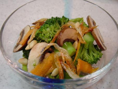 ブロッコリーとアスパラの温野菜サラダ
