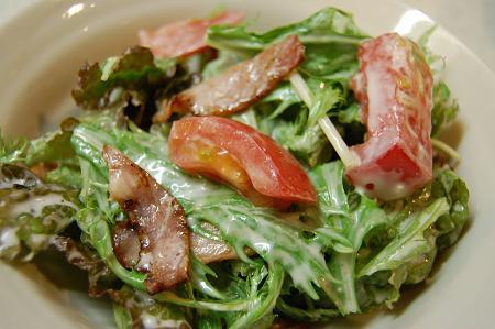 水菜とサニーレタスのシーザーサラダ