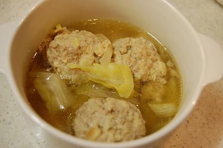 肉団子とキャベツのスープ煮