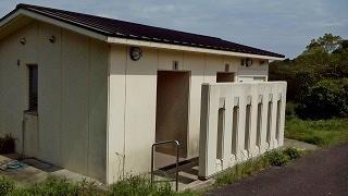 白岳公園キャンプ場トイレ