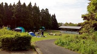 白岳公園キャンプ場フリーサイトと常設テントサイト