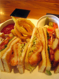 海老と帆立フライのサンドイッチ