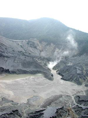 タンクバン・プラフ火口2003.10