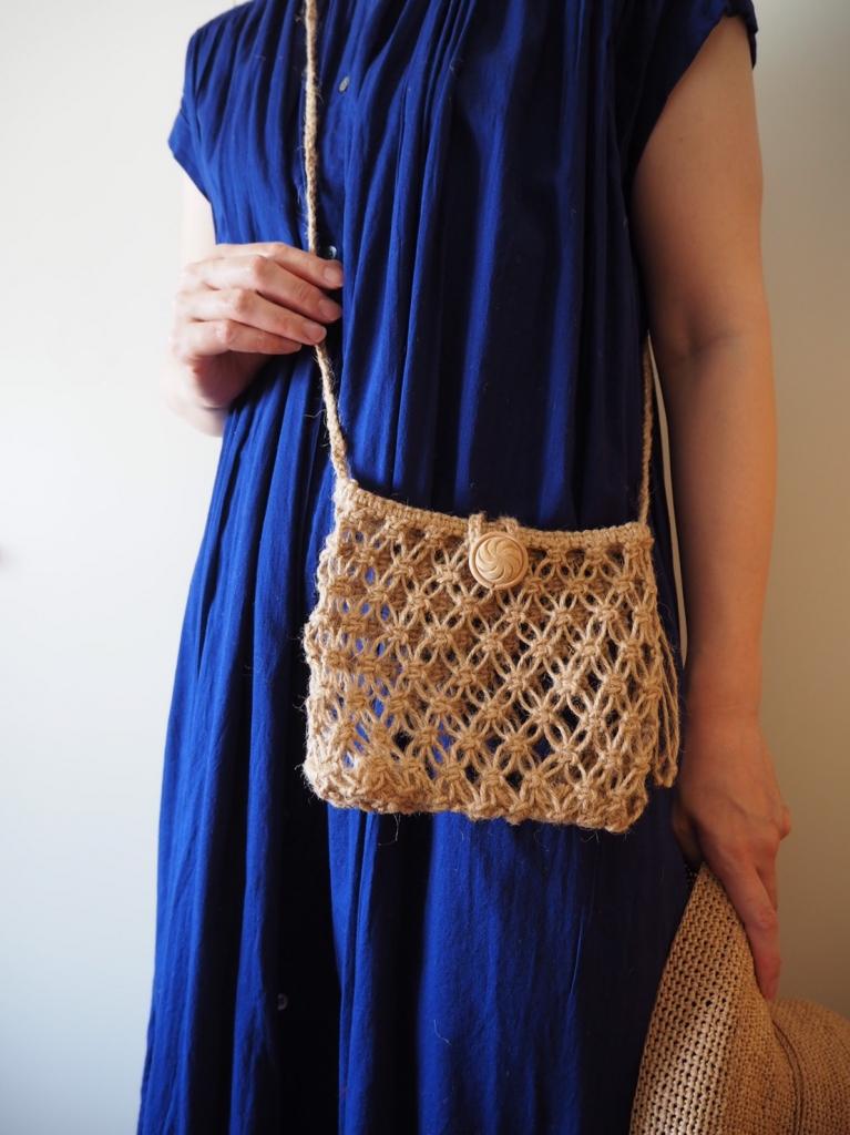 マクラメ編みのバッグ