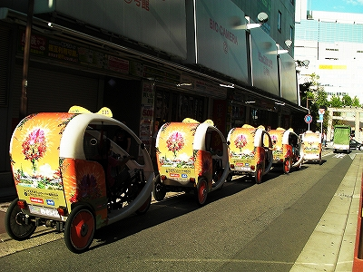 ベロタクシー福岡の車体広告スポンサー