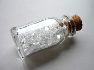 水晶入りガラス瓶