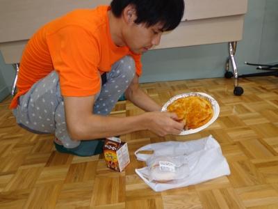 津田さんVSアップルケーキ