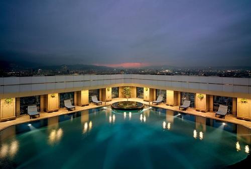 台北の屋外プール付きホテル