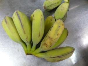 未熟バナナ