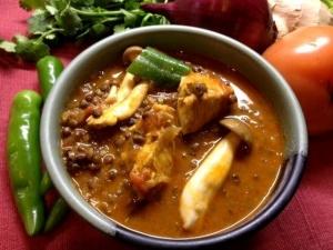 豆と野菜とチキンのカレー