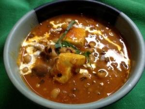 豆とチキンのカレー