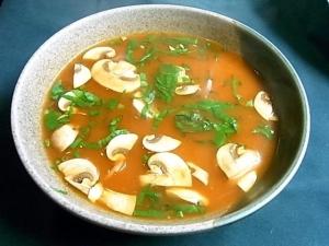 トマトとマッシュルームのスープ