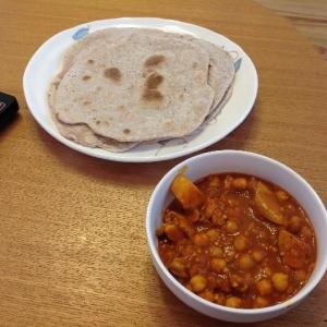 チャパティとひよこ豆のカレー