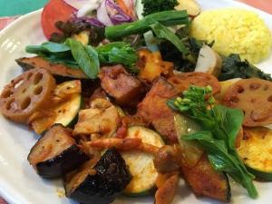 野菜を食べるカレー「サラダカレー」