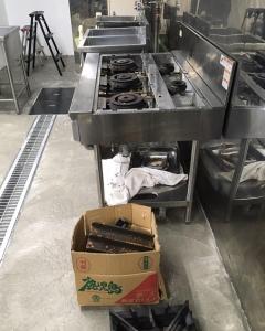 厨房機器の仮置き