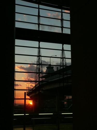 旅の終わりは見事な夕陽とともに。