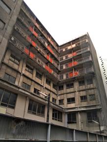 荒んだ建物のイメージ