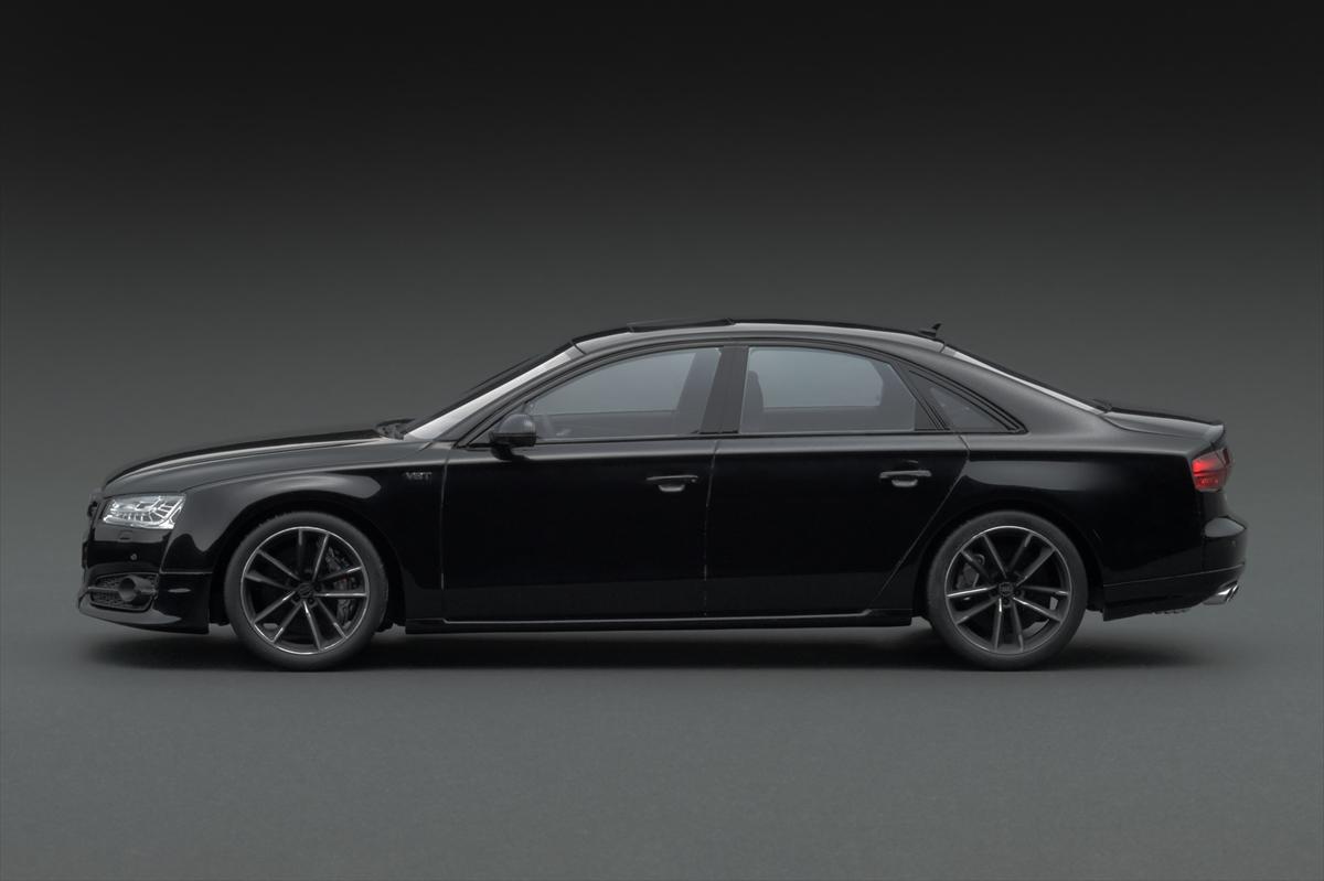 Audi S8プラス-2_R.jpg
