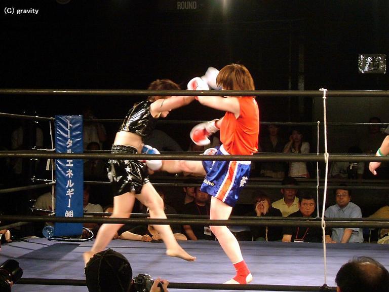 森本華世vs勝山舞子