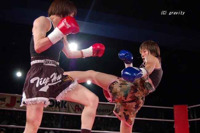 倉光智子vs.神村江理加
