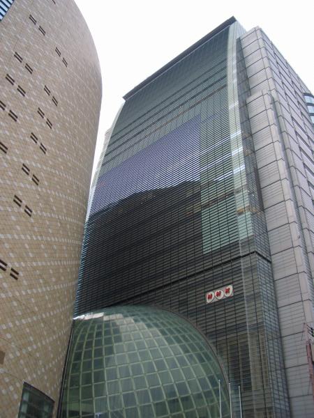 大阪のNHKなビル
