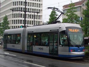 岡山市内を走るチンチン電車