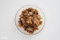 タレごとお肉を焼いて、適当な大きさに切る。