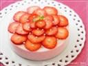 極上の「ストロベリーレアチーズケーキ」