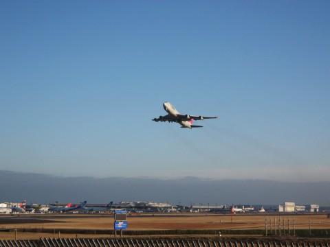 離陸するノースウエスト航空ボーイング747@さくらの山
