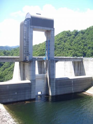 奈良俣ダム クレストゲート