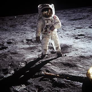 アポロ11号 人類最初の月面着陸