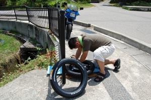 タイヤ組換え作業