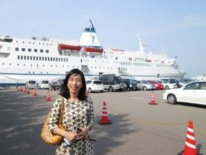 金沢港にロゴスホープ号