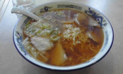 末広軒のワンタン麺