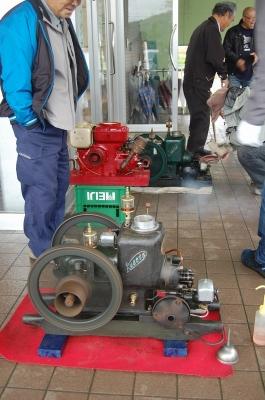 神子原に石油発動機