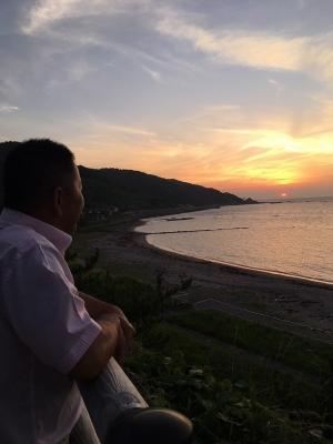 袖ヶ浜から夕陽を眺める