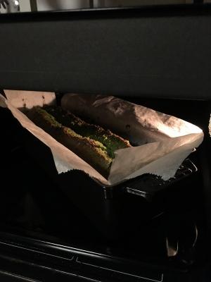 妻がケーキを
