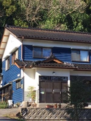 地震で棟瓦から土