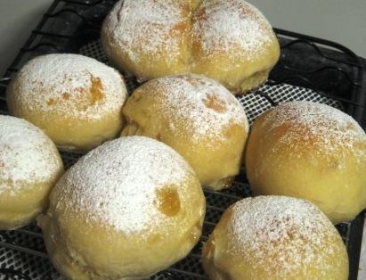 はちみつの白っぽいパン