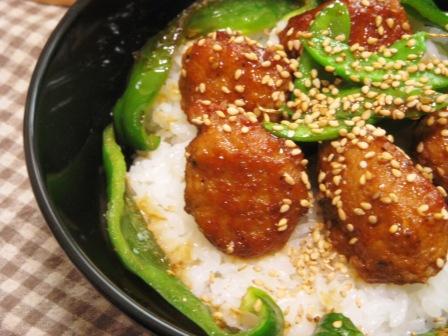 甘辛肉団子丼