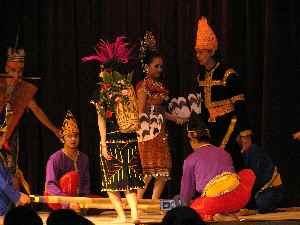 クアラルンプールSaloma(サロマ) バンブーダンス
