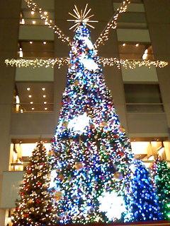 新宿NSビルのクリスマスツリー
