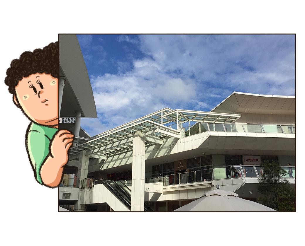 ルーファ広場から見たラゾーナ川崎の建物
