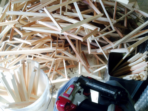 養蜂 巣枠の組み立て